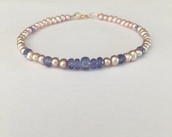 Pearls, gift for her, fine jewelry, bridal bracelet, champagne fresh water pearls, tanzanite, beaded bracelet, minimalist, 14k rose gold