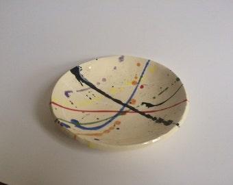 """6.5"""" splatter plate in primary colors"""