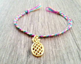 Braided bracelet multi colored with pineapple