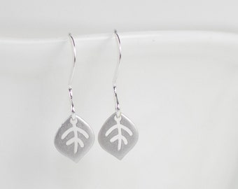 Tiny Silver Leaf Dangle Earrings, Silver Earrings, Small Drop Earrings, Small Leaf Silver Earrings [#883]
