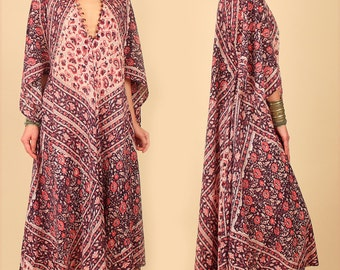 ViNtAgE 70's Rare INDIAN Cotton Floral Caftan Maxi Dress // India // Angel Wing Hippie Festival Dress // Large/Free size