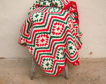 Vintage Christmas afghan / red white & green crochet blanket / LARGE heavy cozy / kitchy Christmas / VERY CLEAN