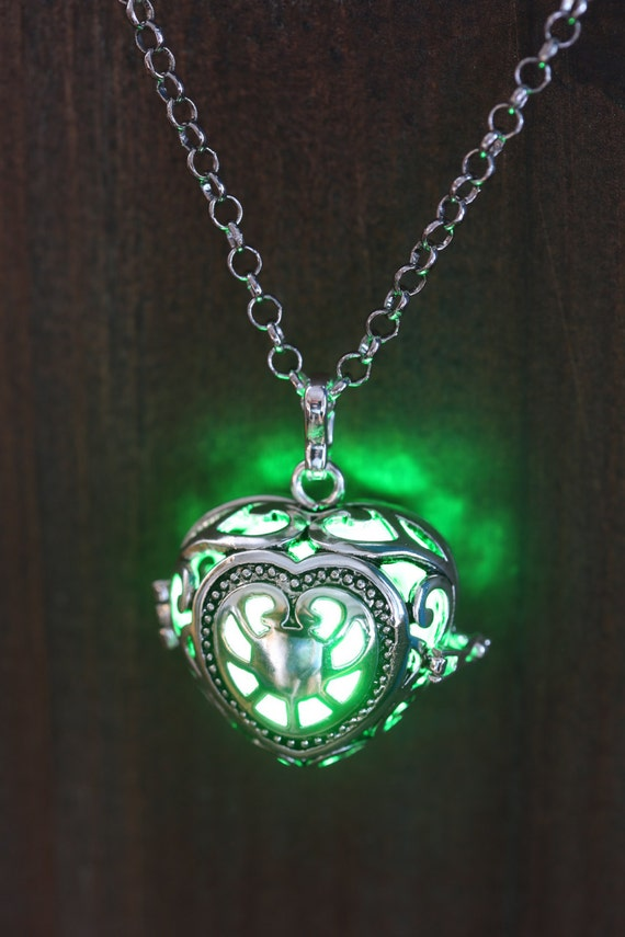 Heart Pendant Heart Jewellery Glowing Nekclace Heart Locket with green glowing Orb Lovely Christmas Gift for Her - LED jewelry