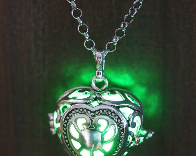 Heart Pendant Heart Jewellery Glowing Nekclace Heart Locket with green glowing Orb Lovely Valentine Gift for Her - LED jewelry