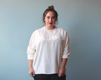 plus size blouse / ivory lace plus size top / 1990s / XXL