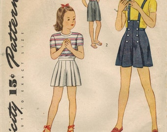 1940s Simplicity 1315 Vintage Sewing Pattern Girls Shorts, Suspender Shorts Size 4