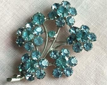 Vintage Signed EISENBERG  Powder Blue Crystal Flower Brooch C.1940