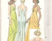 Kwik Sew 875 1970s  Misses Empire Waist V Neck Nightgown NEGLIGEE Pattern Womens Vintage Sewing Patterns  Size S M L XL  Bust 32 - 45 UNCUT