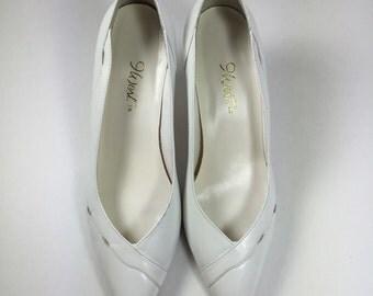 Vintage White Pumps Leather 9 West Nine West Bridal SALE size 7.5 8