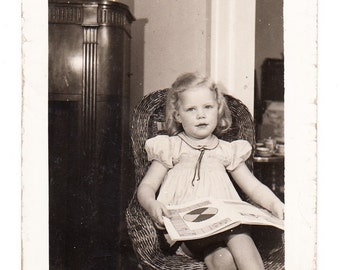 vintage Photo Blonde Little Girl Wicker Childs Chair Reading Book Home Interior 1930s snapshot