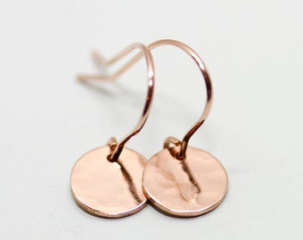 Rose gold earrings - minimalist earrings - dainty earrings - gold disc earrings - rose gold jewelry - rose gold circle earrings - hammered