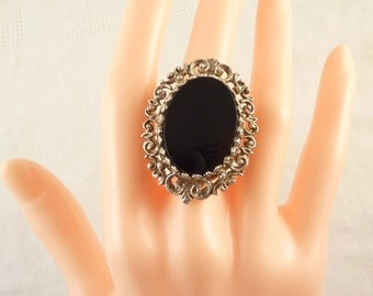 SALE --- Size 5 Vintage Sterling Giant Oval Onyx Ring