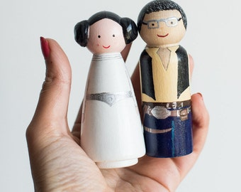 Custom wedding Cake Toppers So Geek. Peg Dolls Space Geek.  Wooden wedding Cake Toppers for Geek lovers: Stars Wars, Disney, Super Hero, HP