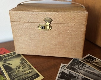 Wonderful Vintage Travel Carry On Case Small Luggage for Storage, Vacation, Home Décor 40's 50's