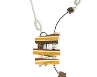 necklace/ unique / pendant / wood