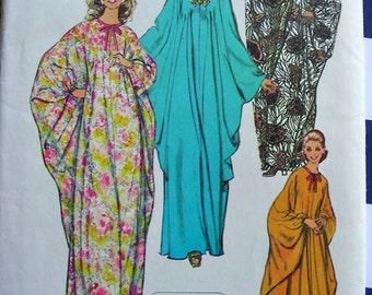 UNCUT *  Vintage Simplicity Pattern 5680 //  1970s Jiffy Misses Flowing CAFTAN Evening Length  // One Size