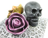 Still Life Relic with Skull and Two Flowers - Pink Yellow Gray Death Day Dead Petals Pillow Cushion Scary Halloween Frida Roses Swirls