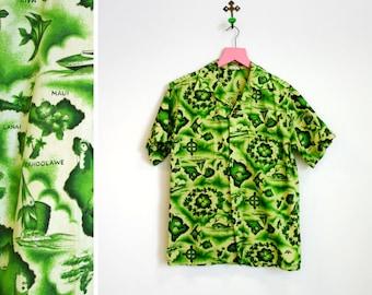 Vintage 1960s Green Print Hawaiian Shirt Mens Size Small