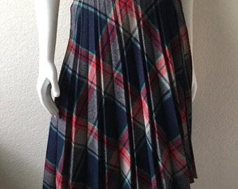Vintage Women's 80's Plaid Skirt, Wool, Pleated, Knee Length (S/M)