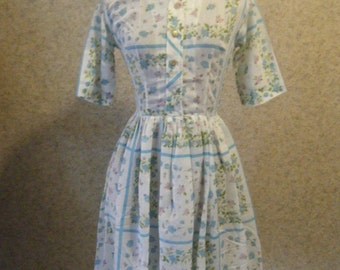 Vtg 1950s Shirt dress in Semi sheer Floral cotton with Metal buttons Extra Small XS