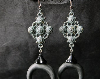 Black Moon - earrings - crescent moon, victorian, neovictorian, antique, vintage,dark, mystic, gothic, black, boho, gypsy, pagan, moon