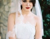 Cindee, Ivory Lace Edged Veil,Lace Veil, Corded Lace Wedding Veil, Floral Lace Veil, Lace Edge Veil, Ivory Veil, Scalloped Lace Veil