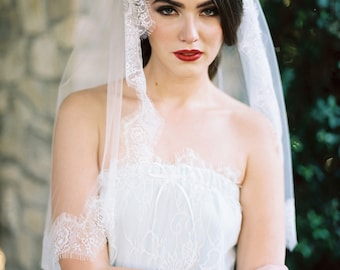 Cindee, Ivory Lace Edged Veil,Lace Veil, Lace Wedding Veil, Floral Lace Veil,Lace Edge Veil, Ivory Veil, Scalloped Lace Veil, Cathedral Veil