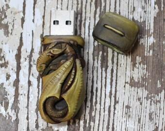 Dragon USB Flash drive 8GB