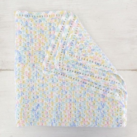 Knit Shell Stitch Baby Blanket : Handmade Baby Blanket Crochet Shell Stitch Multicolored White