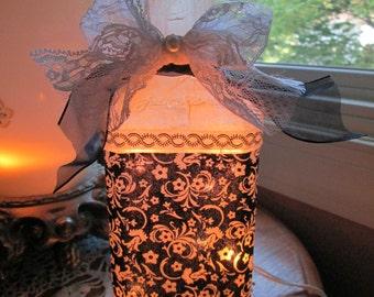 Victorian Wine Bottle Lamp,victorian,wine bottle lights,lighted bottles,lighted wine bottle,night lights,lighting,lamp,decorated wine bottle