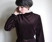 Brown velvet Dress, Chestnut brown 1970ies turtleneck Midi dress with Belt, Hippie velvet dress