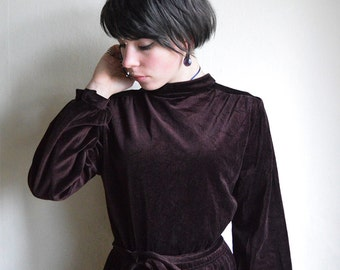 Brown velvet Dress, Chestnut brown 1970ies turtleneck Midi dress with Belt, Hippie velvet dress