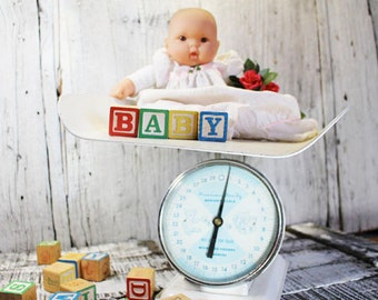 Baby Scale, American Family Nursery Scale, Photo Prop, Nursery Decor