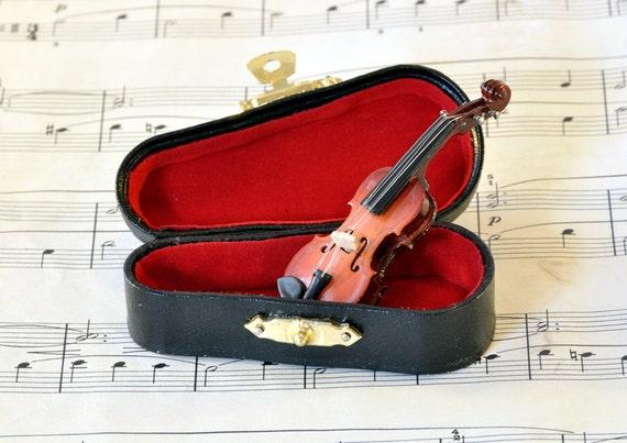 Violin Brooch Pin in Case, Music Brooch, Violin Jewellery