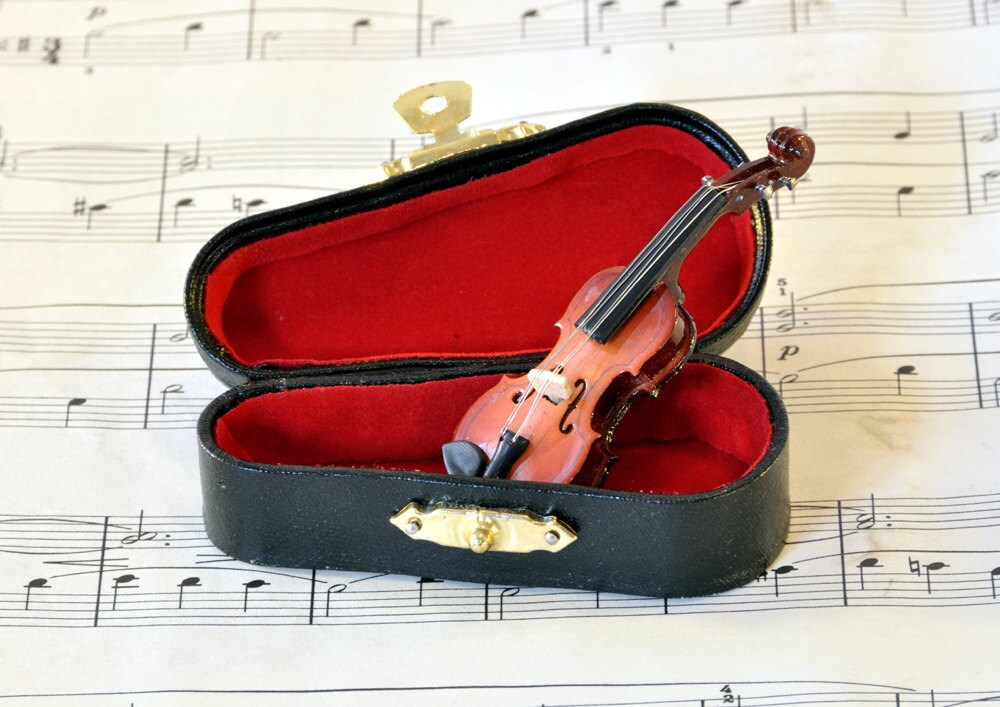 Violin Brooch Pin in Case, Music Brooch, Violin Gifts, Violin Jewellery