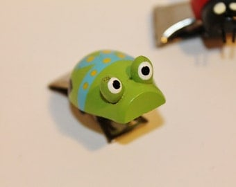Cute Froggy Clip Vintage Wooden Green Frog with Metal Paper Chip or Money Clip  or Bag Holder