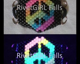 D-Ring Glow-in-the-Dark Rainbow Peace Sign Surgical/Visual Kei Cyber Rave Mask - Kandi