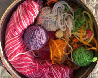 Assorted vintage yarn