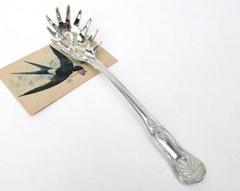 Vintage Silver Serving Spoon / Pasta Server / Serving Utensil, Silverplate Flatware Server / Grabber – Shell Motif