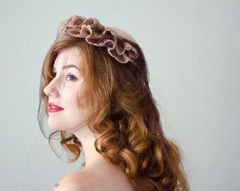 1940s vintage hat / pale pink wool hat / veiled wool hat