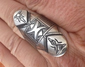 Tuareg Tribal Ring with Geometrical Signs, US size 9, Diameter 18 mm