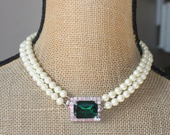 RaRE Art Deco Double Strand Pearl Necklace,Emerald Green Large Rhinestone Clasp,Pearl Choker,Bridal,Weddings,Ivory Pearl Jewelry,Front Clasp
