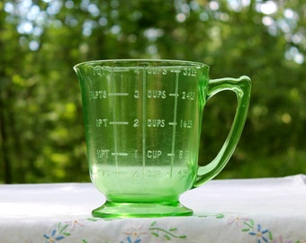 Vintage Footed Green Depression Glass 1 Quart Measuring Cup ~ 4 Cup Uranium Glass Measuring Pitcher ~   ~ Insurance w Shipping
