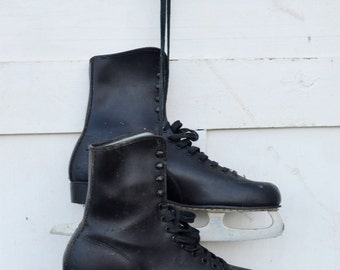 Men's Black Vintage Ice Skates Christmas Winter Door Porch Decoration Craft Repurpose Upcycle