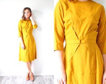 Vintage mustard yellow mod two piece dress // modest dress // yellow tan dress // business dress // knee length maxi dress // summer yellow