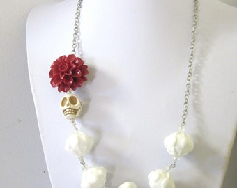 White Day Of The Dead Necklace Sugar Skull Wedding Jewelry Red Chrysanthemum Flower