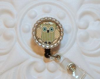 Retractable Badge Holder - Owl Badge Reel - Id Holder - Retractable Reel - Cute Badge Holder - Bottle  Cap  Badge Holder