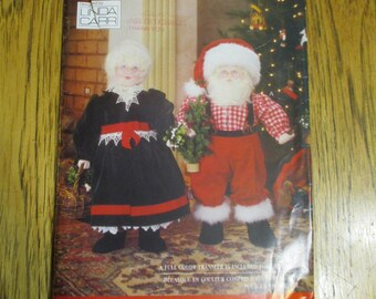 "Mr. & Mrs. SANTA Claus 26"" Soft Sculpture Dolls - DESIGNER Traditional Christmas Decoration - UNCUT Sewing Pattern Vogue 8434 / 439"