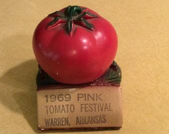 Mid Century/Retro 1969 Pink Tomato Festival Warren Arkansas Paperweight Pencil Holder Souvenir