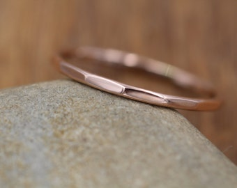 Rose Gold Band, Hammered Texture, Simple band - 1.2 mm width - Thicker Band
